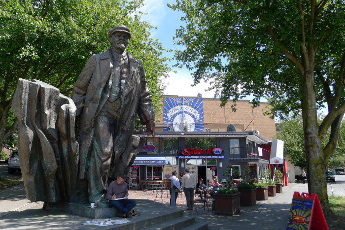 5. There's a giant, 16-foot bronze statue of Communist leader Vladimir Lenin in the Fremont neighborhood of Seattle.