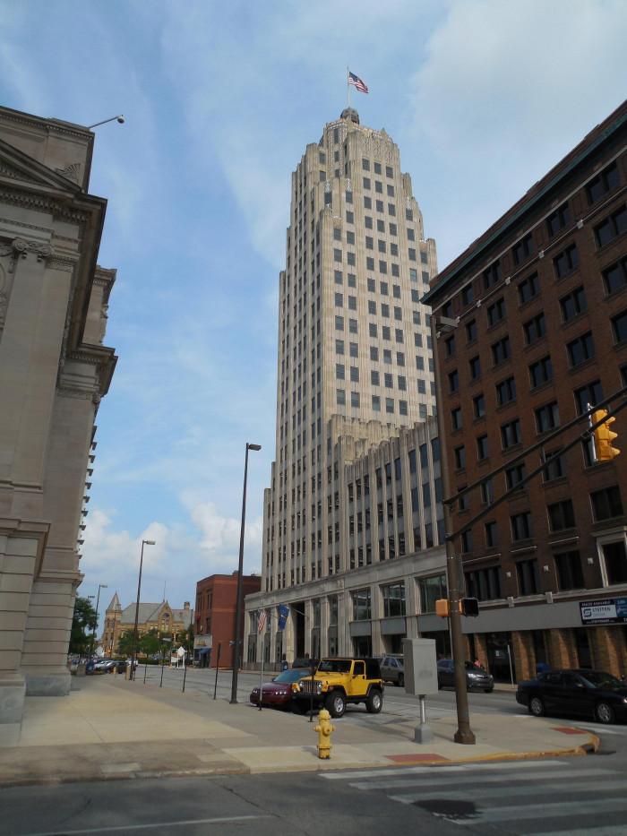 4. The Lincoln Bank Tower - Fort Wayne