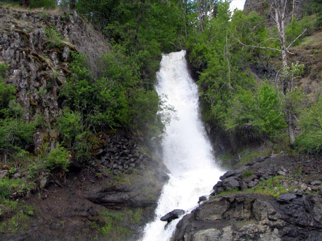 14. Hidden and landmark waterfalls begin to their seasonal displays of beauty.