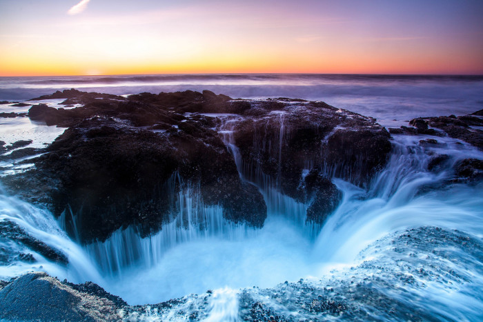 2. Thor's Well, Oregon