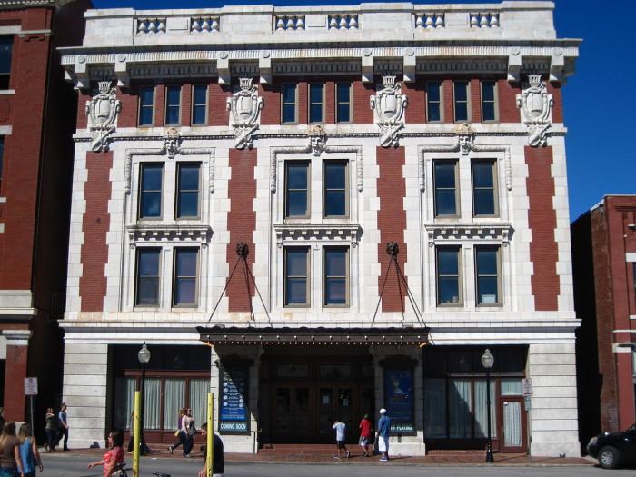 17.Lander's Theater, Springfield