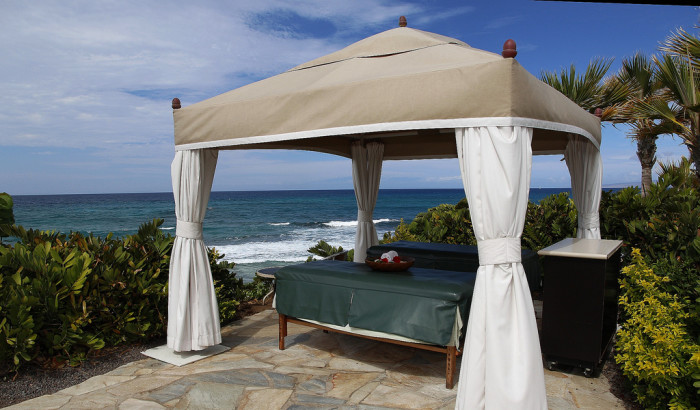 19. Treat yourself to one of life's greatest pleasures – a massage near the ocean.