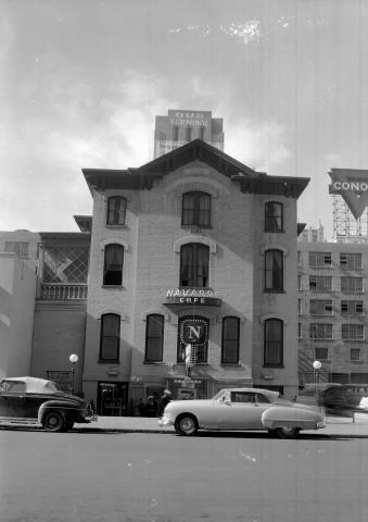 5.) The Navarre Building (c. 1940).