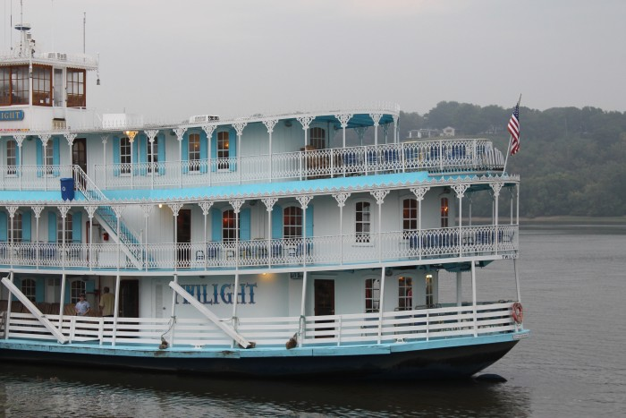 Take A Mississippi Riverboat Cruise Vacation In Iowa