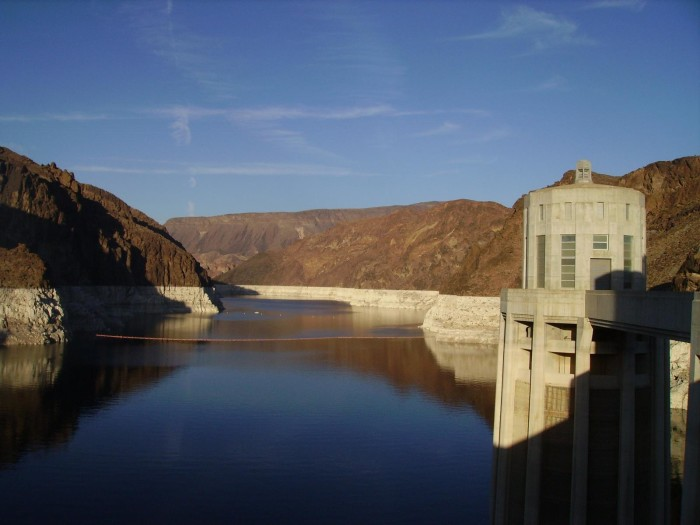 9. The largest reservoir in the U.S. is Lake Mead. It contains enough water to flood the entire state of New York.