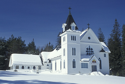 5. This Bretton Woods church looks beautiful in the snow.