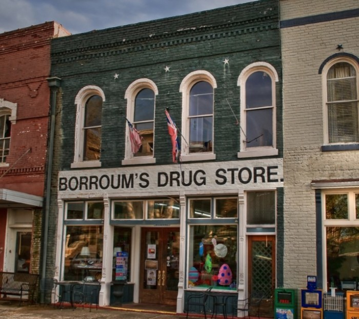 Day 1 Lunch: Borroum's Drug Store and Soda Fountain, Corinth
