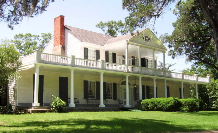 7 Of The Most Haunted Places In Natchez