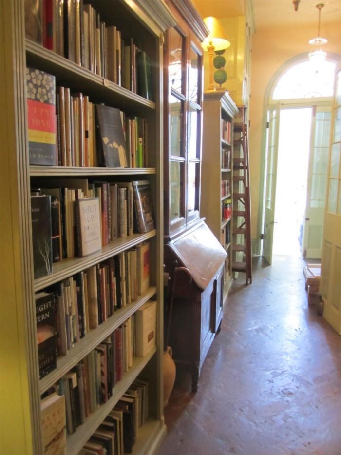 3) Faulkner House Books, 624 Pirates Alley