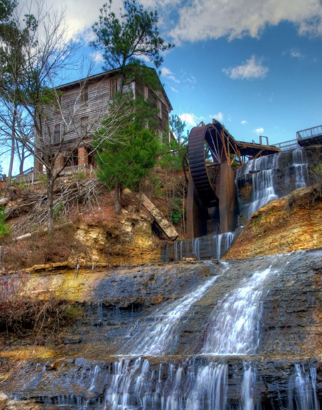 4. Visit some of the state's waterfalls.