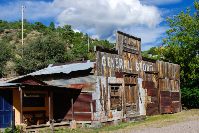 11. Ghost towns and mining towns provide an intriguing glimpse into New Mexico's past.
