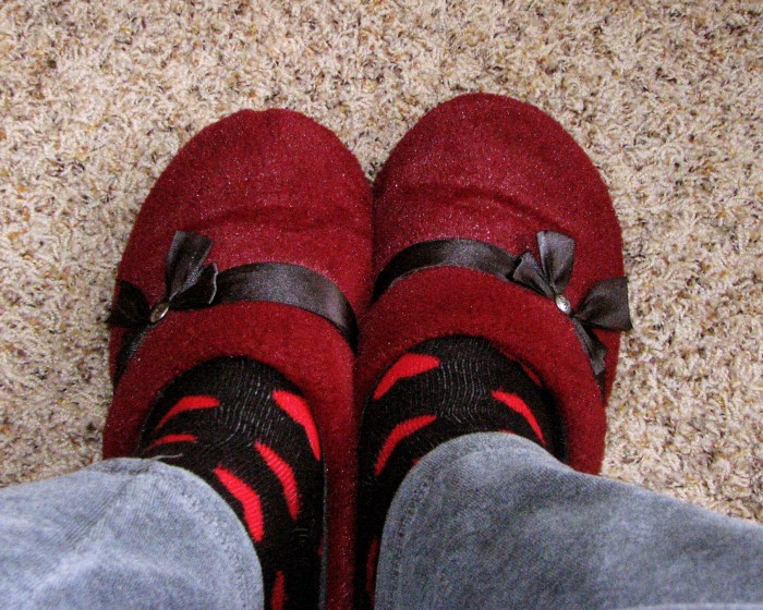 3) Wear socks with slippers to keep the no-see-ums away.