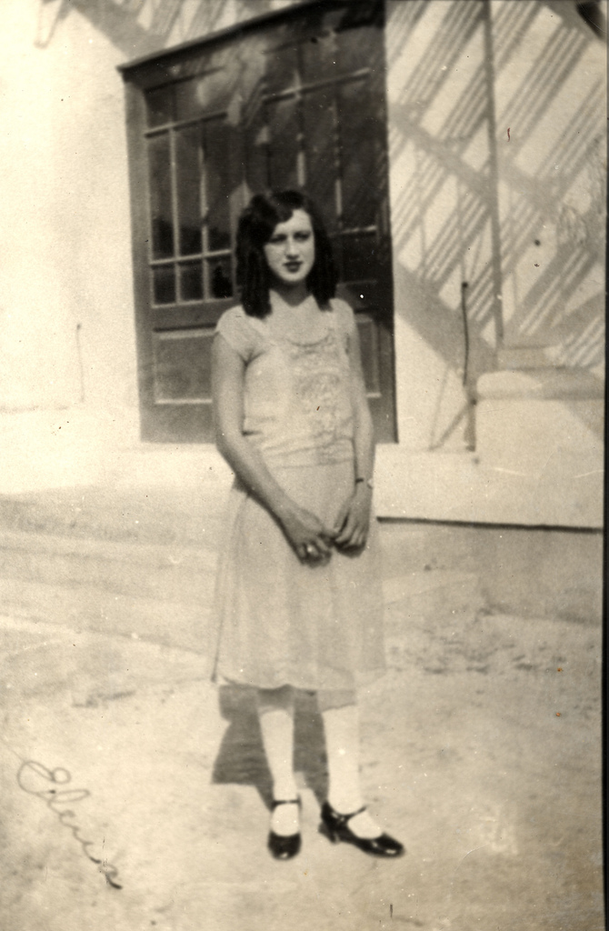 Elena Hoyos when she was 17 years old in 1926.