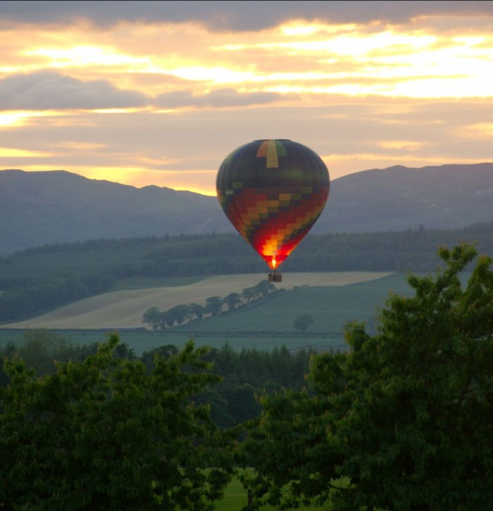 6. Soar above the Idaho landscape in a hot air balloon.