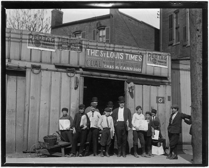 5.A branch office in a coal shed. St. Louis, May 1910.