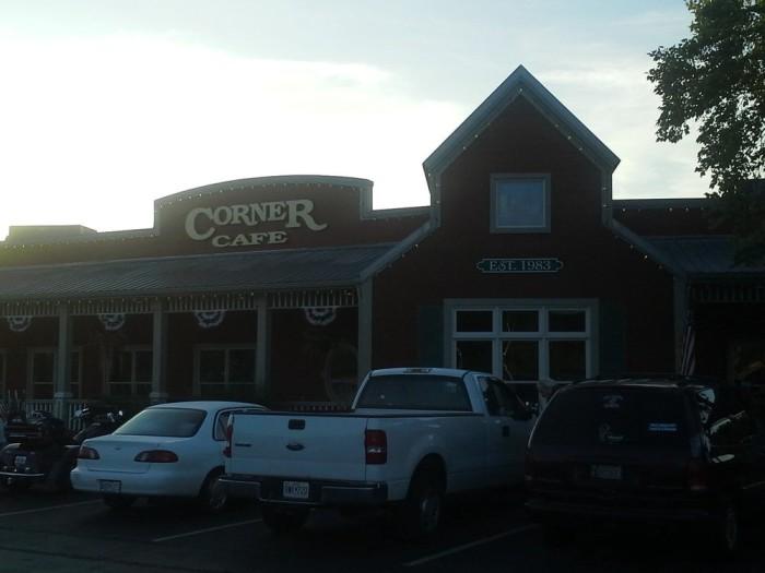 5.Corner Café, Riverside