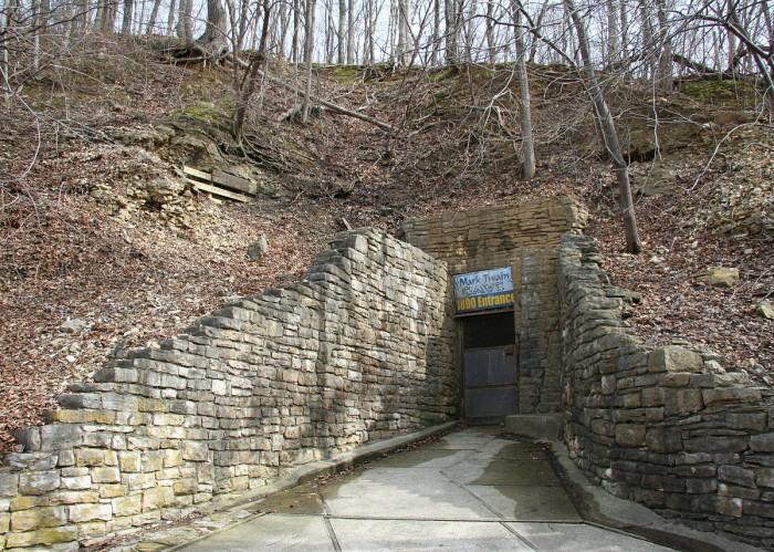 5.Mark Twain Cave and Cameron Cave, Hannibal