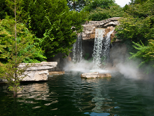 5.Herman Fountain Waterfall, St. Louis Zoo