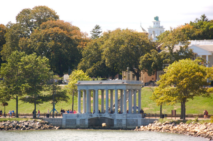 2. Plymouth Rock, Plymouth