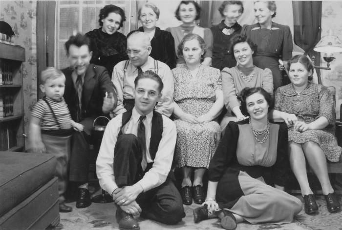5. A Fort Lee family photo taken circa 1940.