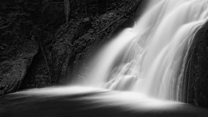 8.  Moss Glen Falls.