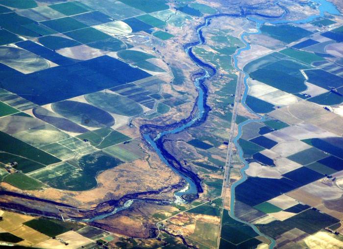7. The Idaho-Oregon border from 30,000 feet up.