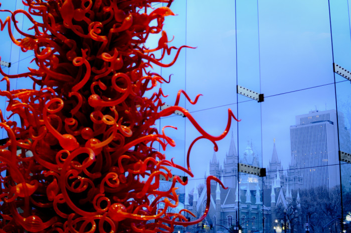 6. Dale Chihuly Sculpture