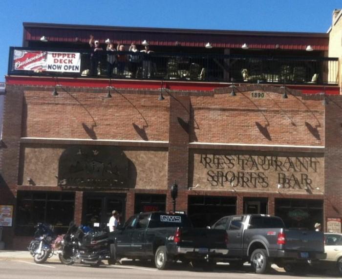 Buglin' Bull Restaurant and Sports Bar