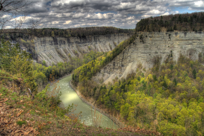 After thousands of years of the Genesee River flowing through this area, these nearly 600 foot high cliffs were formed, creating insane views throughout the park.
