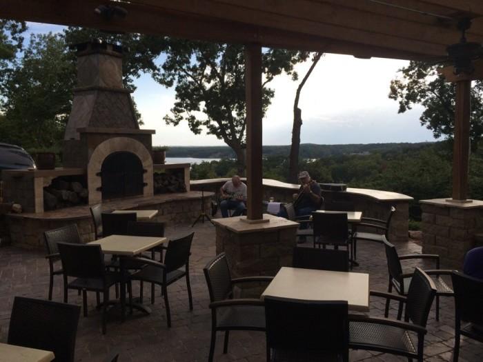 6.2. Bentley's Restaurant, Lake Ozark
