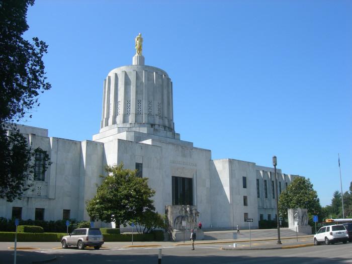 4. Oregon State Capitol