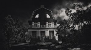 The Story Behind New York's Most Haunted House Will Give You Nightmares