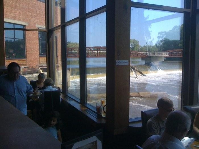 7. Iowa River Power Restaurant, Coralville