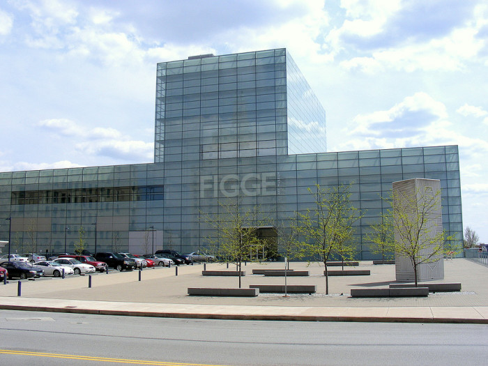 6. Admire the art at Figge Art Museum in Davenport.