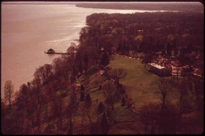 5. A fascinating ariel view of Mt. Vernon and the Potomac in 1973.