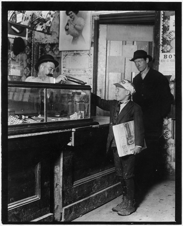 8.This is where the money goes to. Each branch office usually has a candy counter. St. Louis, May 1910.