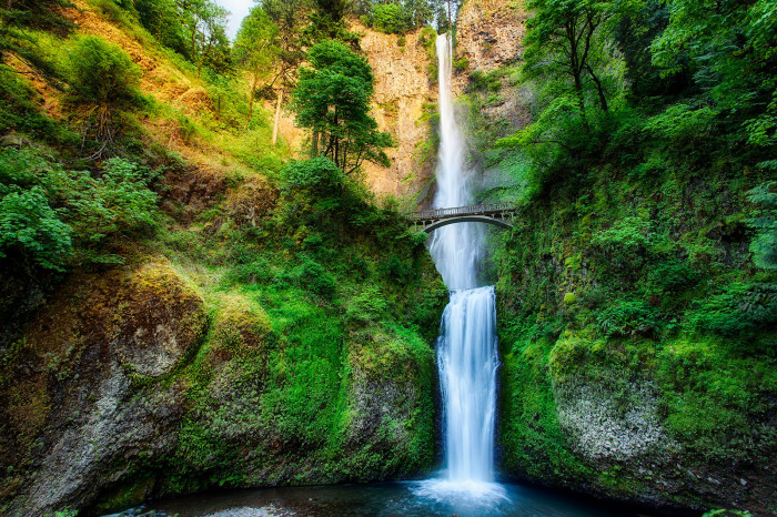 7. Check out Oregon's most popular destinations before they're packed with tourists.