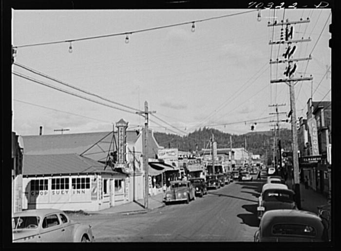 18. Seaside, 1941.