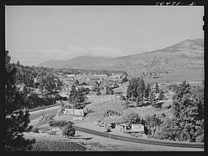 16. Hood River, 1941.