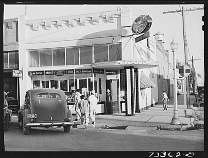 15. Downtown Nyssa, 1942.