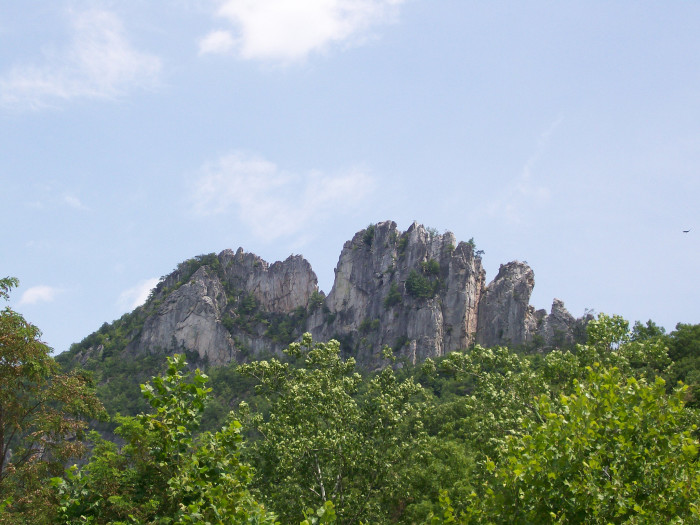 10. Seneca Rock is one of the state's most amazing sights!