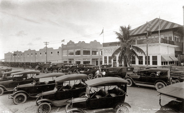 Parking lot at Smith's Casino: Miami Beach