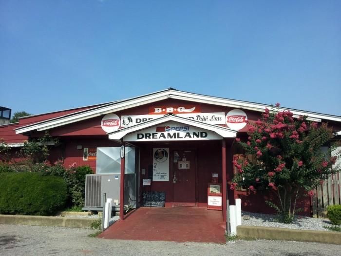 6. Dreamland Bar-B-Que, 5535 15th Ave E, Tuscaloosa, AL 35405