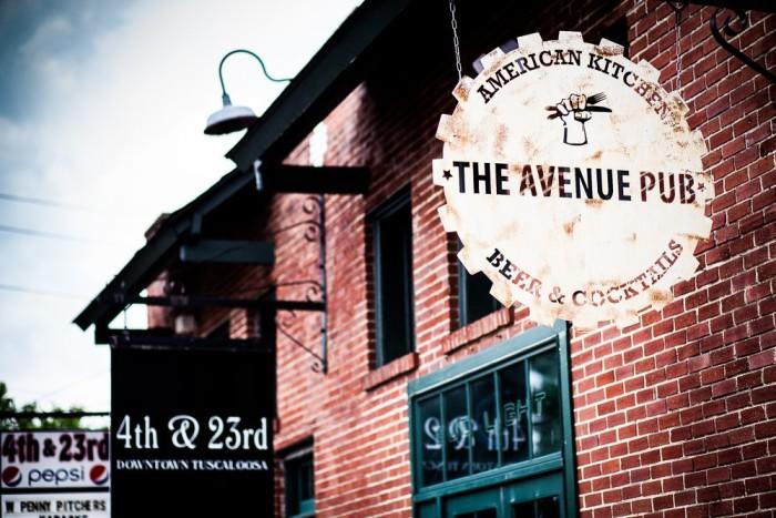 Dinner: The Avenue Pub - 405 23rd Ave, Tuscaloosa, AL 35401