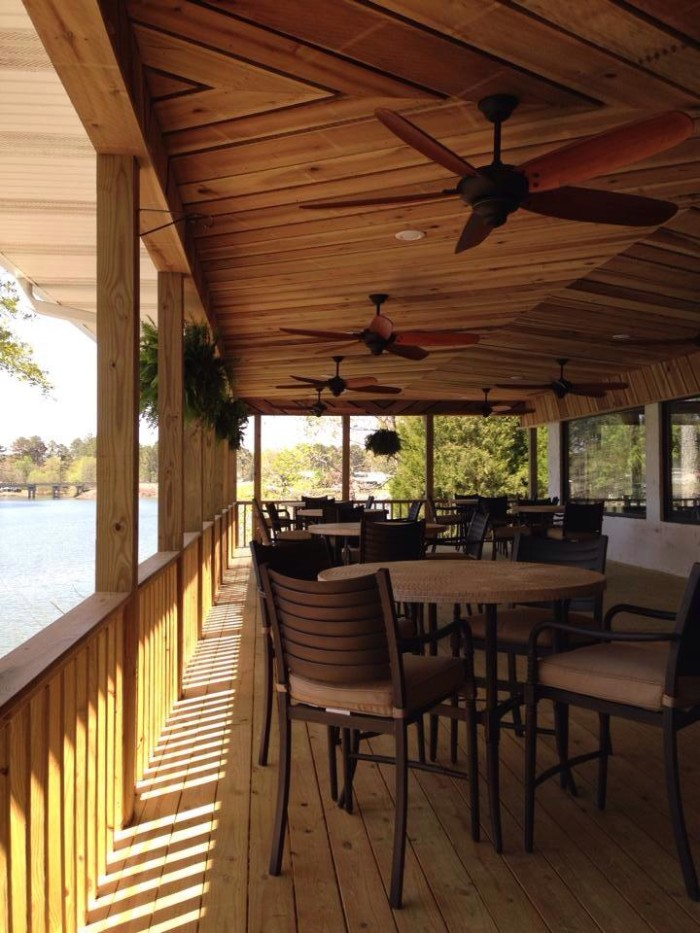 11 Most Incredible Waterfront Restaurants In Alabama