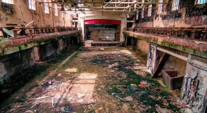 Nature Is Reclaiming This One Abandoned Massachusetts Spot And It's Actually Amazing