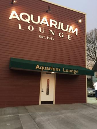 5. Aquarium Lounge, Fairmont