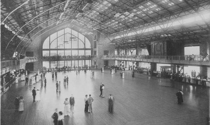 Dance hall, 1913