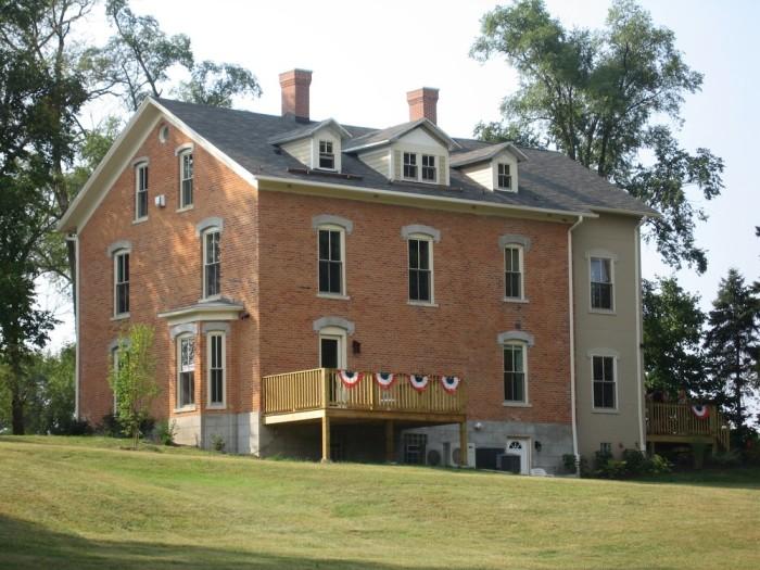 7. DunesWalk Inn (Chesterton)