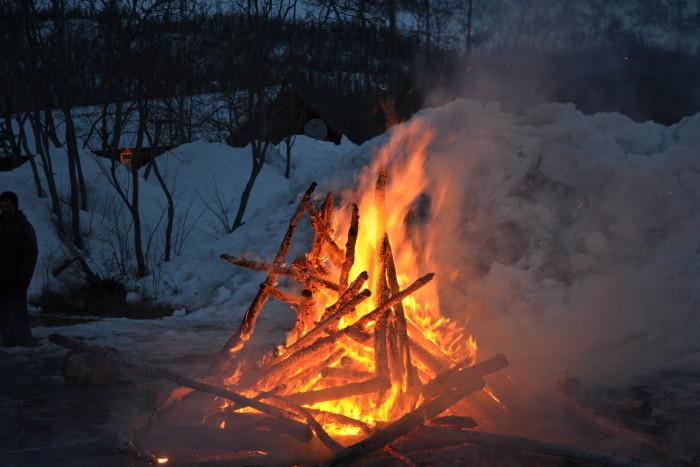 14. Bonfires: An Alaskan staple to every weekend, all year long.